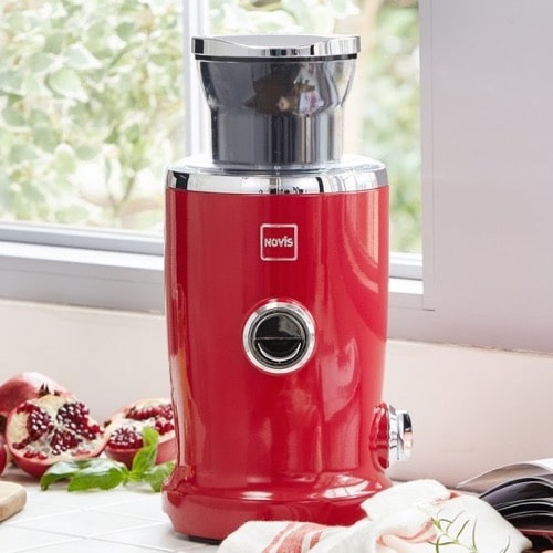 Best Juicers - Novis Vita Juicer