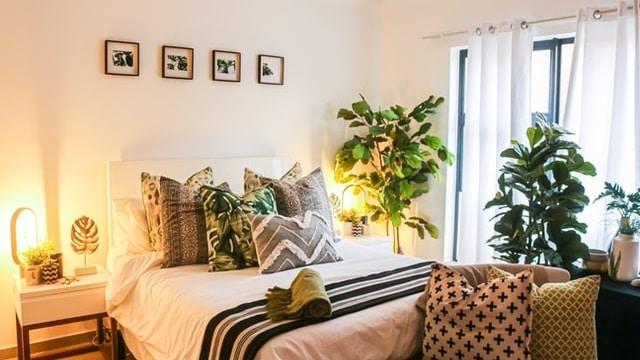 Boho Bedroom Ideas - Boho Pillows