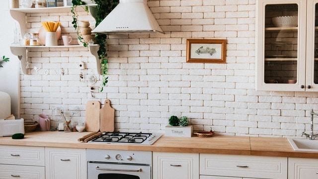 Kitchen Wall Decor Ideas - Rustic Bricks