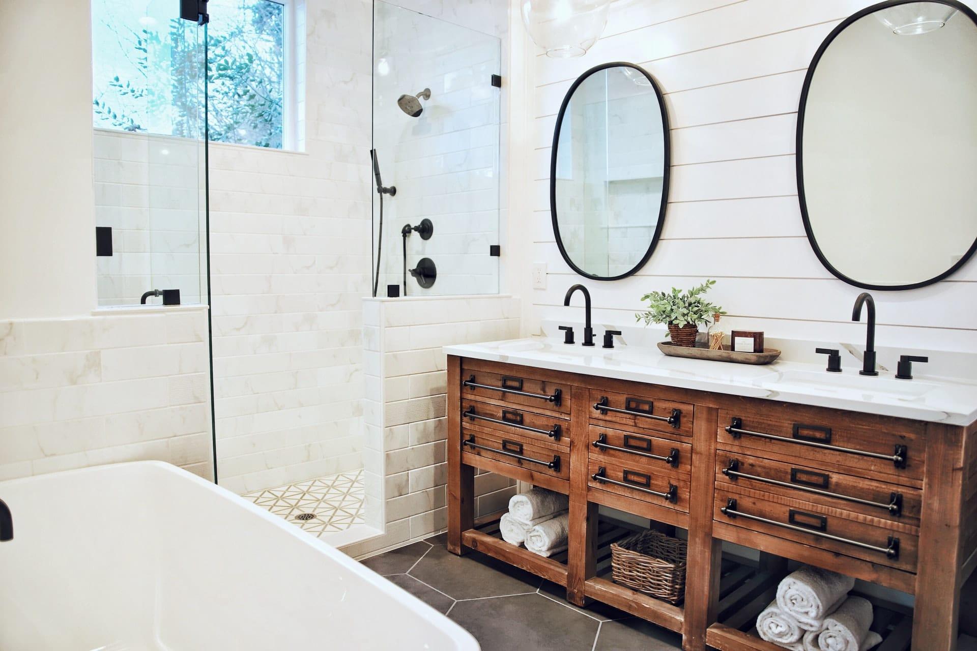Farmhouse Bathroom Ideas - Featured