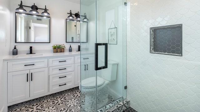 Farmhouse Bathroom Ideas - Rustic Look