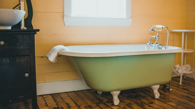 Farmhouse Bathroom Ideas - Simple Design