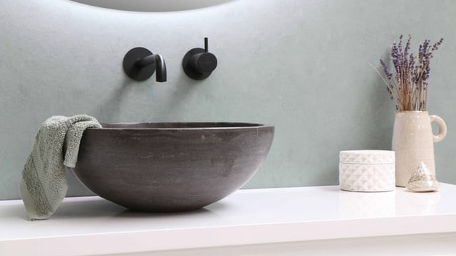Farmhouse Bathroom Ideas - Contrasting Colors